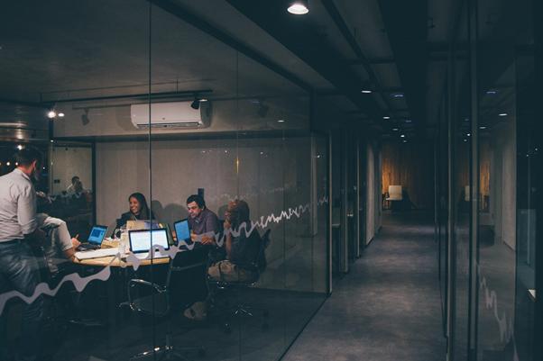Uma startup é formada por um grupo de pessoas com ideais similares | Foto: Mario Gogh