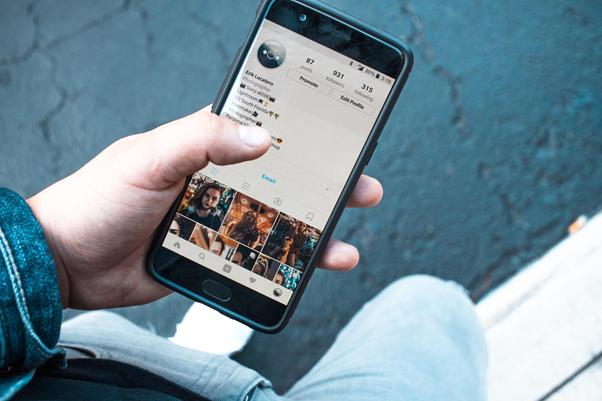 As hashtags podem aumentar o alcance das suas postagens | Foto: Erik Lucatero